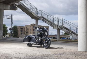 2018 indian chieftain dark horse 01
