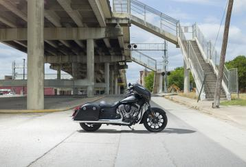 2018 indian chieftain dark horse 03